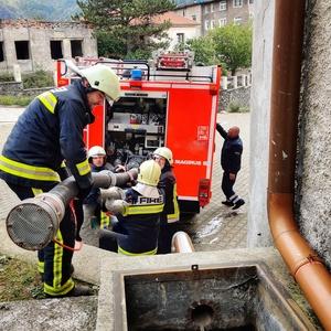 Read more about the article Ein Feuerwehrauto für Fushë-Arrëz